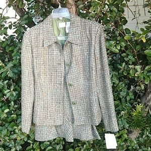 Liz Claiborne blazer size 18 with skirt size 16 Nw